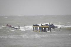 Tàu hàng đâm tàu cá ở Bạch Long Vĩ, 1 thuyền viên chết, 9 mất tích