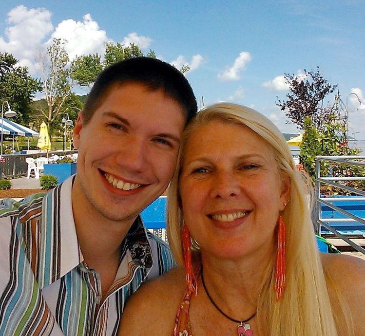 Nữ doanh nhân 59 tuổi sống hạnh phúc bên người chồng kém 30 tuổi