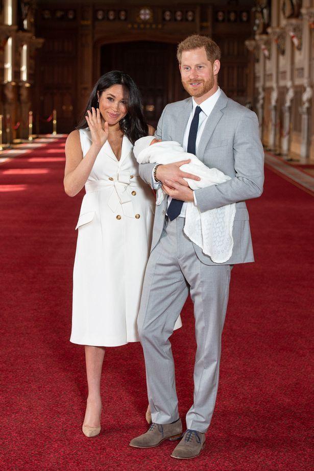 Vợ chồng hoàng tử Anh đổi bảo mẫu thứ 3 trong vòng 6 tuần