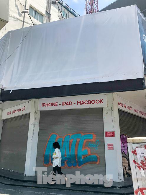 Chuỗi cửa hàng Nhật Cường 'phủ bạt, che biển' sau hơn một tháng ông chủ bỏ trốn