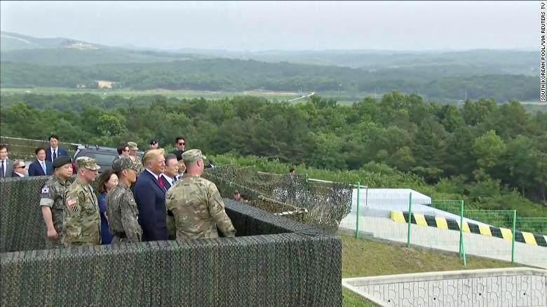 Tổng thống Donald Trump gặp Kim Jong Un tại vùng phi quân sự