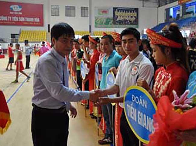 Bắt khẩn cấp Chủ tịch LĐBĐ Thanh Hoá