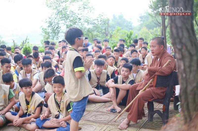 Ngôi chùa cũng là trường học