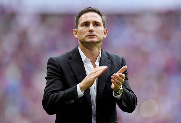 Lý do Lampard chưa được ngồi 'ghế nóng' Chelsea