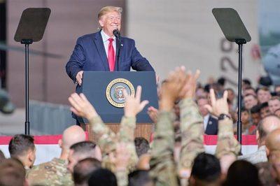 Ông Trump khoe Mỹ đang chế vũ khí hạt nhân mới