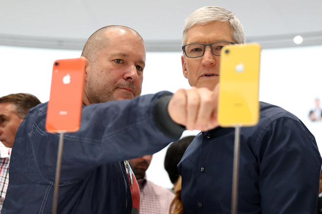 Jony Ive,Tim Cook,Apple