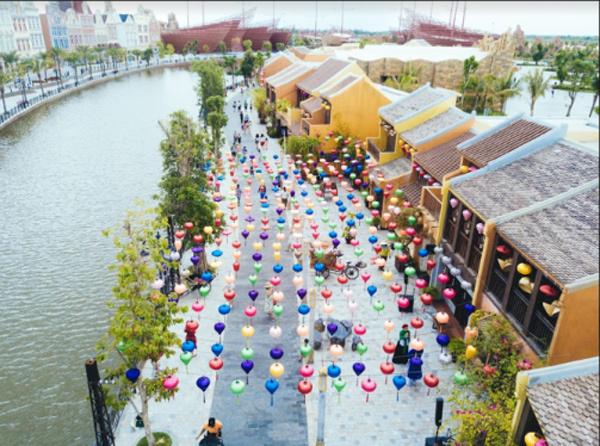 Kỳ ảo màn trình diễn 'Thương cảng thần tiên' ở Vinpearl Land Nam Hội An