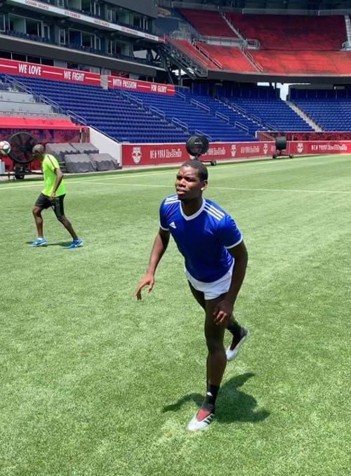 Cầu thủ MU hừng hực tái xuất, Pogba đột nhiên vắng mặt