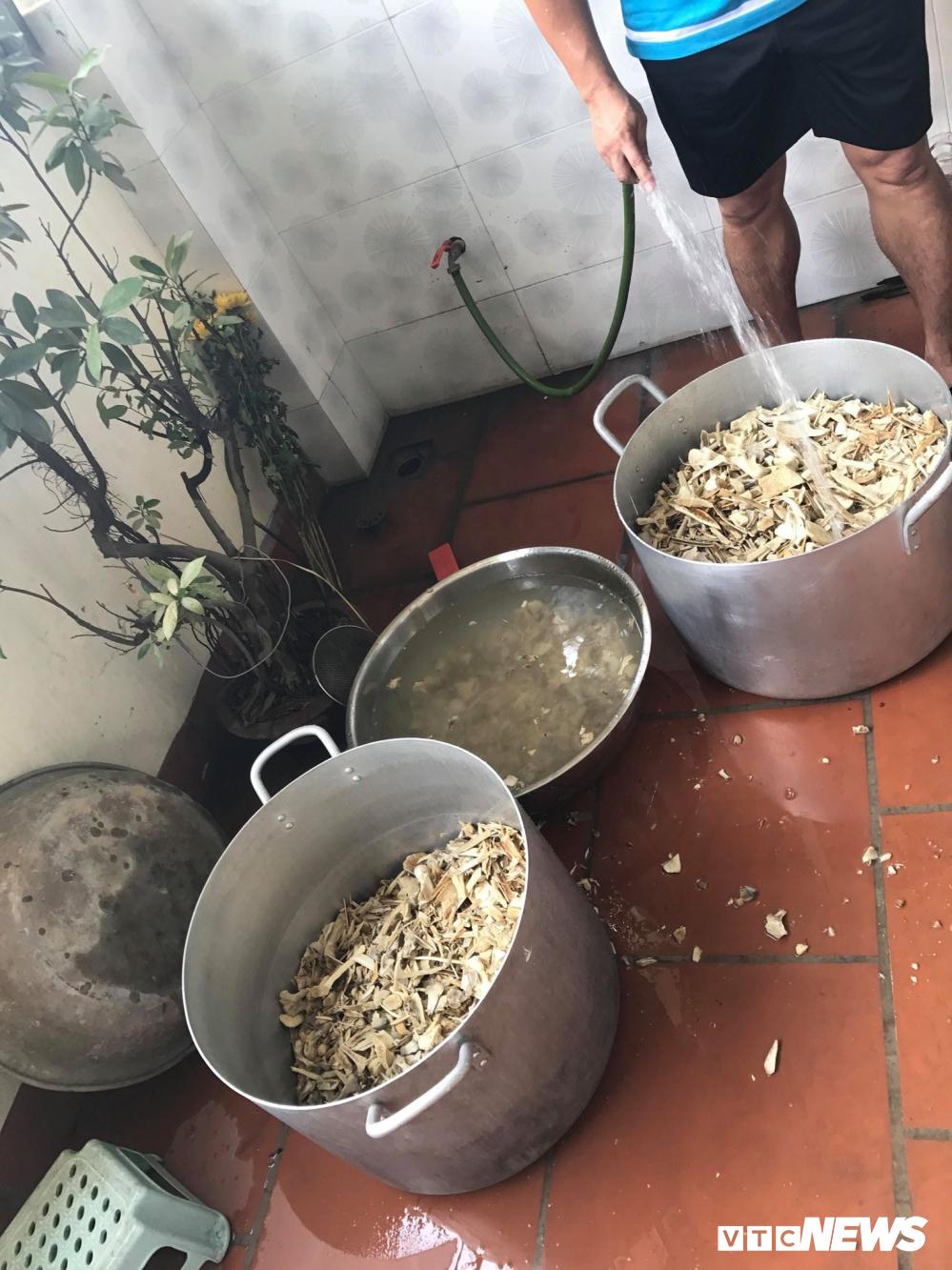 Kỹ nghệ nấu cao hổ, trò lừa tinh vi và những cách ghê rợn đưa hổ về Việt Nam