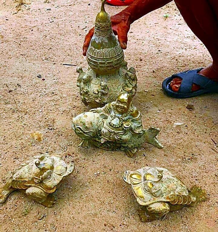 Đào ao bất ngờ phát hiện kho báu cổ gần núi Tàu