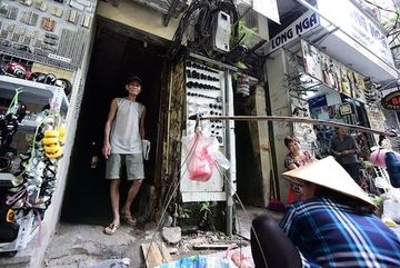 Hanoi's Old Quarter relocation project restarted