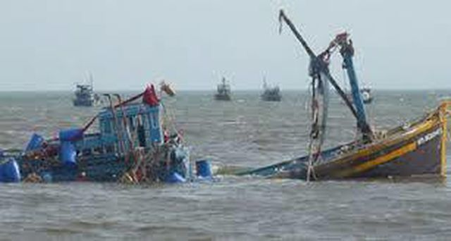 Search for nine missing fishermen continues in Hai Phong