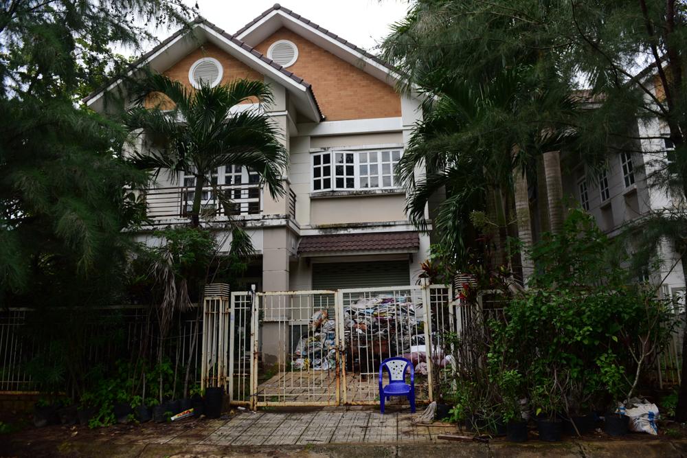 Biệt thự chục tỷ bị 'bỏ quên' trong khu nhà giàu ở Sài Gòn