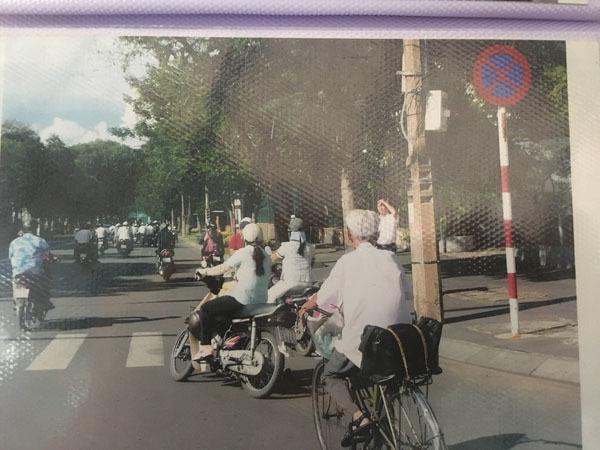 Gặp người viết thư tình xuyên thế kỷ ở Bưu điện Sài Gòn