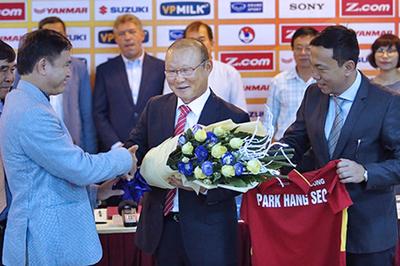 Thầy Park và VFF hẹn ngày đàm phán, hãy thực tế và... tử tế