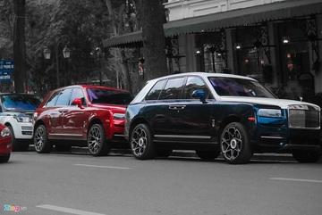 Bộ đôi siêu sang Rolls-Royce Cullinan 'đụng độ' tại Hà Nội