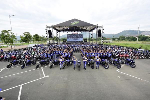 Mua Exciter, trúng hàng trăm siêu xe mô tô thể thao Yamaha