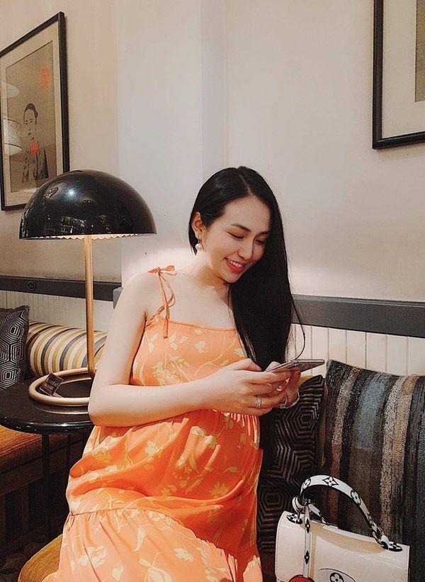 Mỹ nhân Việt bụng bầu lớn nhưng vẫn xinh đẹp, quyến rũ