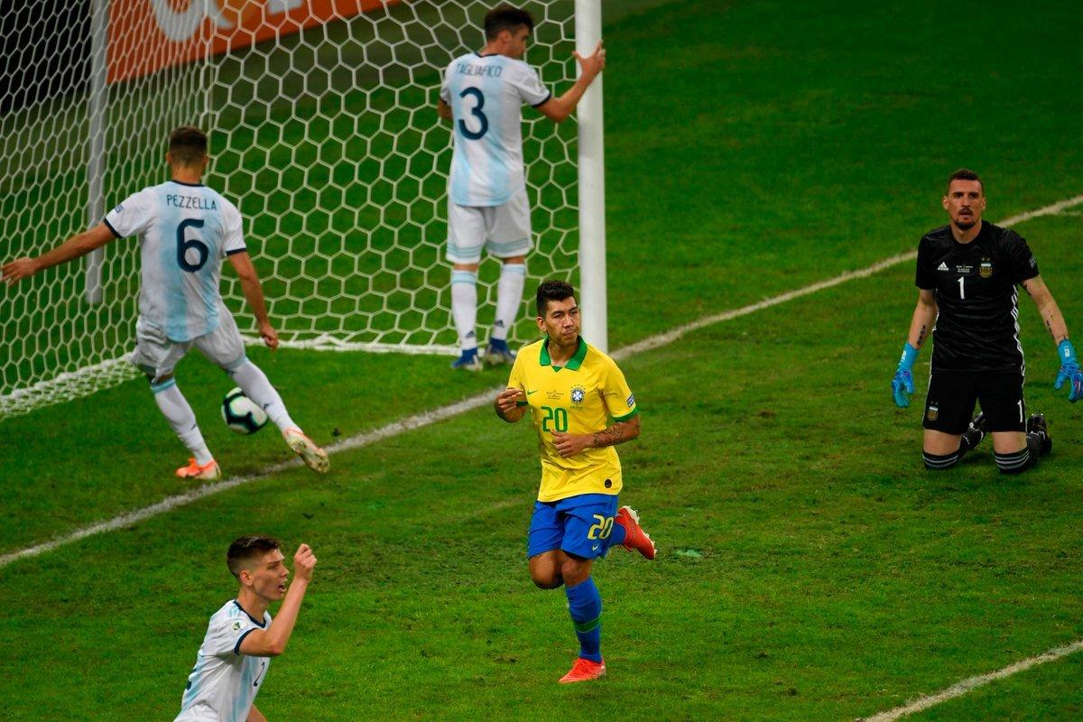 Brazil khiến Messi và Argentina khóc hờn, chiêu độc không Neymar