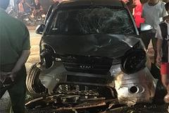 Gây tai nạn bỏ chạy, ô tô tông tiếp cả loạt xe máy ở Bắc Giang