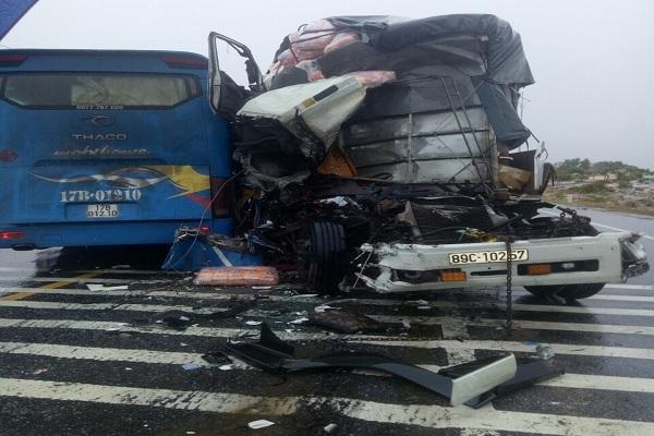 tai nạn,tai nạn giao thông,tai nạn nghiêm trọng,Quảng Bình