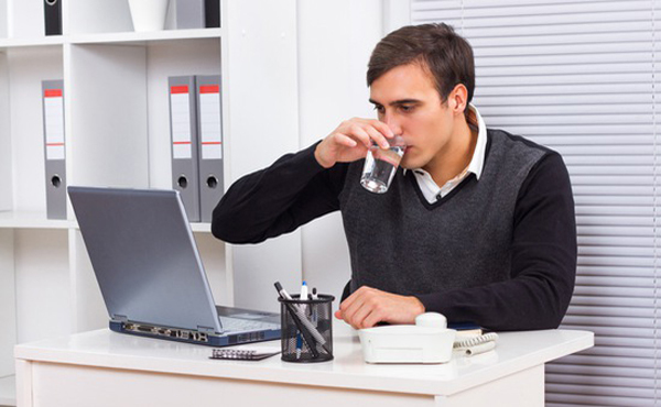Bí quyết phòng ngừa bệnh sỏi thận cho dân văn phòng