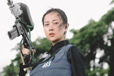 Phương Oanh bầm dập, chảy máu vì tham gia show khắc nghiệt cùng chiến sĩ công an