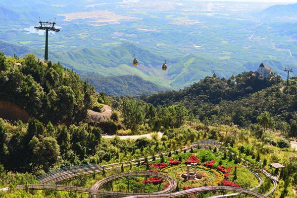 Ba Na Hills lifts up Da Nang's tourism