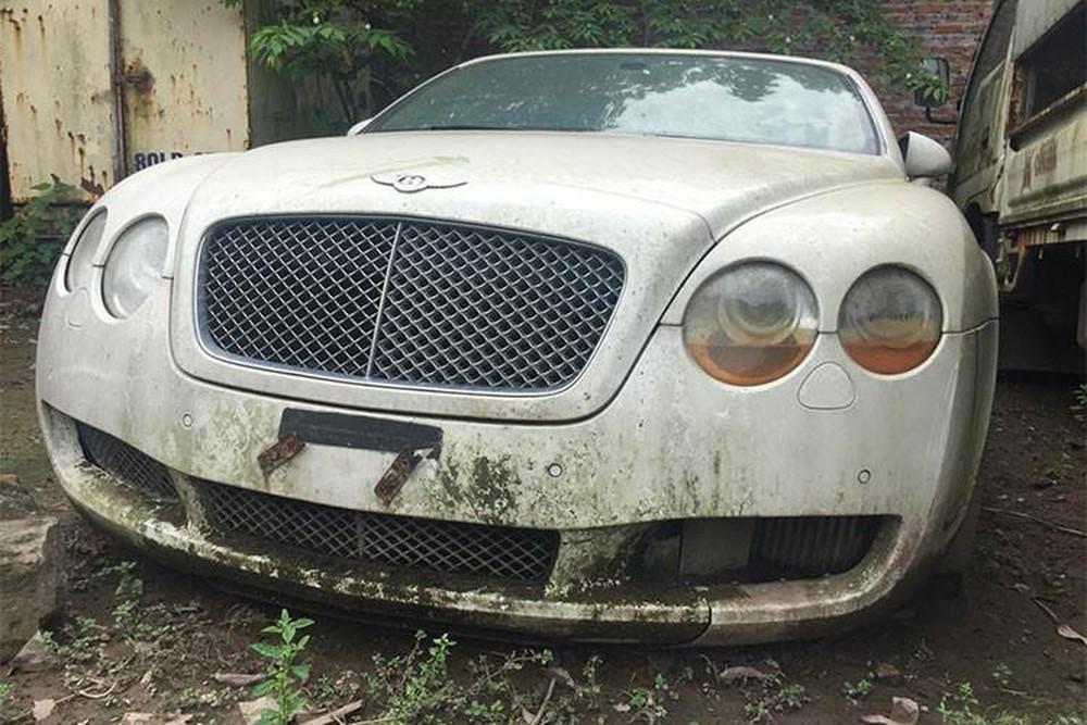 xe bỏ hoang,xe vứt xó,ô tô cũ gỉ,bỏ quên ô tô