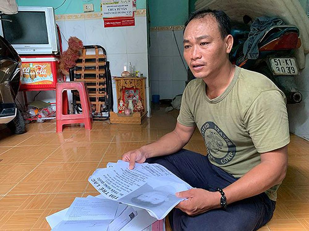 Cha nghèo ở Sài Gòn khóc òa tìm lại con sau nhiều tháng mất tích