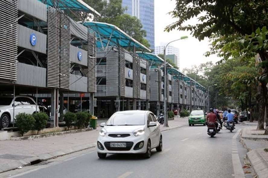 Hanoi: tens of underground smart parking areas still on paper