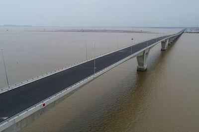 Đường ô tô vượt biển dài nhất VN: Giảm hiệu quả kinh tế vì chậm tiến độ 4 năm
