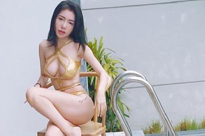 """Áo tắm """"gắt"""" nhất showbiz Việt: Bé xíu bằng bàn tay, cắt xẻ tứ bề..."""