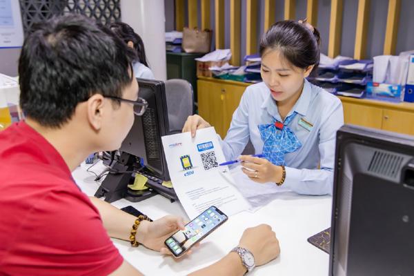 MobiFone miễn phí đăng ký eSim cho mọi thuê bao