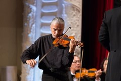 Violinist Stephane Tran Ngoc to perform in HCM City