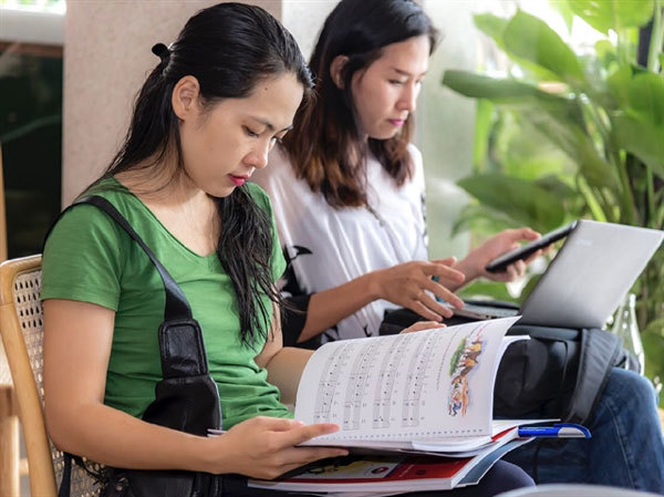 Leading publisher brings quality music books to Vietnam