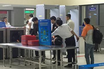 Nam hành khách trộm 1,5 cây vàng của nữ hành khách ở cửa soi hành lý
