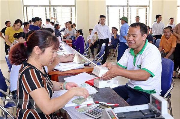Nam Son dump residents receive compensation