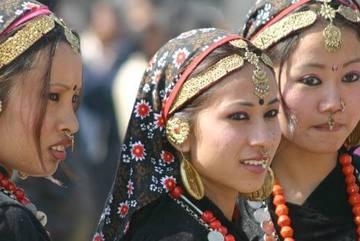 Nơi phụ nữ phải quan hệ tình dục trước mặt người làng
