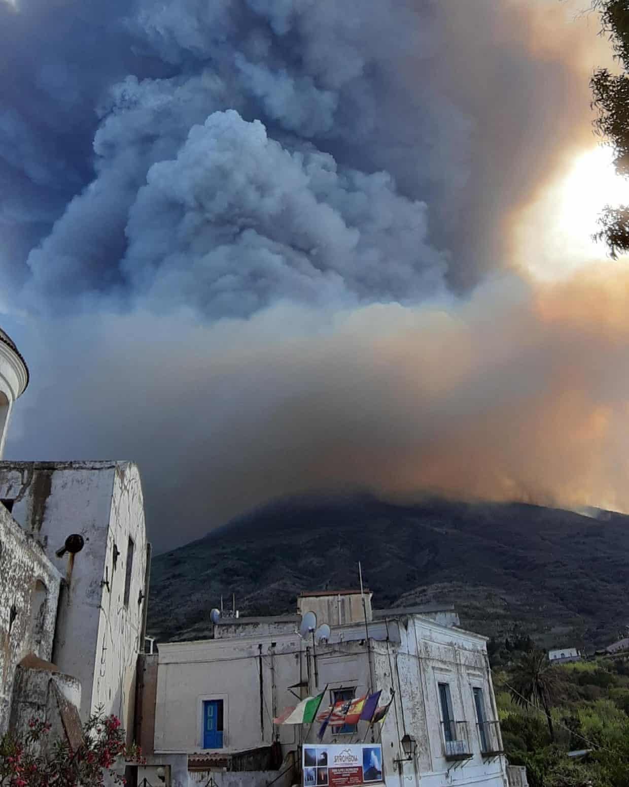 Italia,đảo,núi lửa,Stromboli,Địa Trung Hải,núi lửa phun trào,hiện tượng tự nhiên
