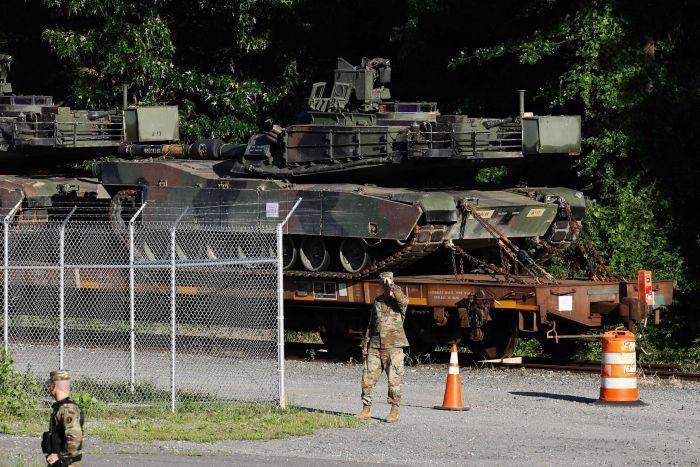 Mỹ quy tập 'cỗ máy chiến tranh' diễu binh mừng Quốc khánh
