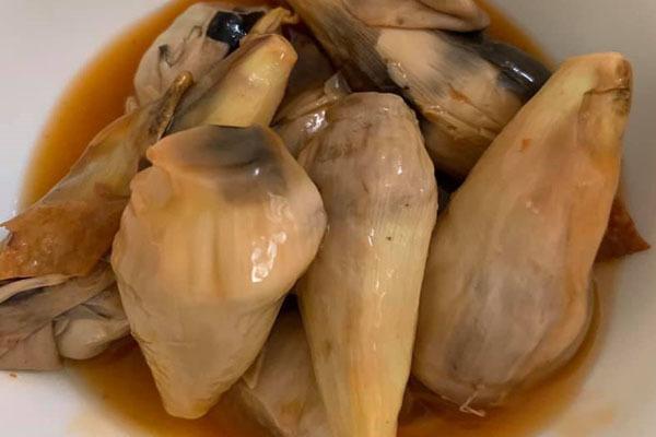 Bắp chuối kho nước tương, đặc sản của người miền Tây