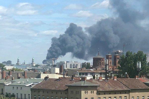 Cháy chợ Đồng Xuân ở Đức