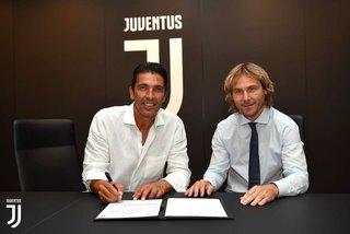 Buffon trở lại Juventus, mơ vô địch C1 với Ronaldo