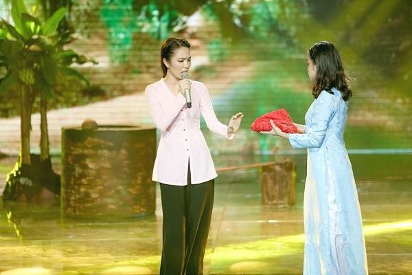 Ngọc Sơn, Đình Văn nhảy múa khi xem Giang Hồng Ngọc hát cùng học trò