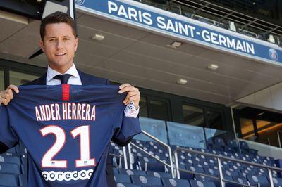 Hé lộ lương khủng khiến Ander Herrera bỏ MU đến PSG
