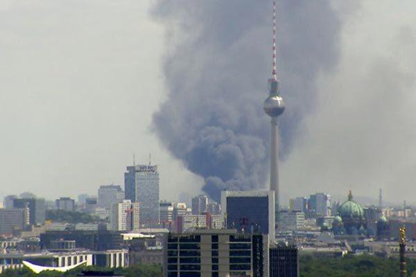 Hình ảnh vụ cháy chợ Đồng Xuân ở Đức