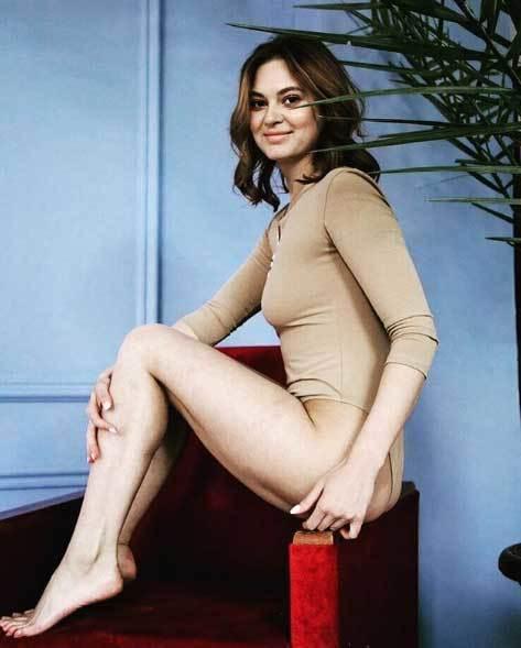 Nữ quan chức Nga xinh đẹp bị sa thải vì chụp ảnh 'khiêu dâm'