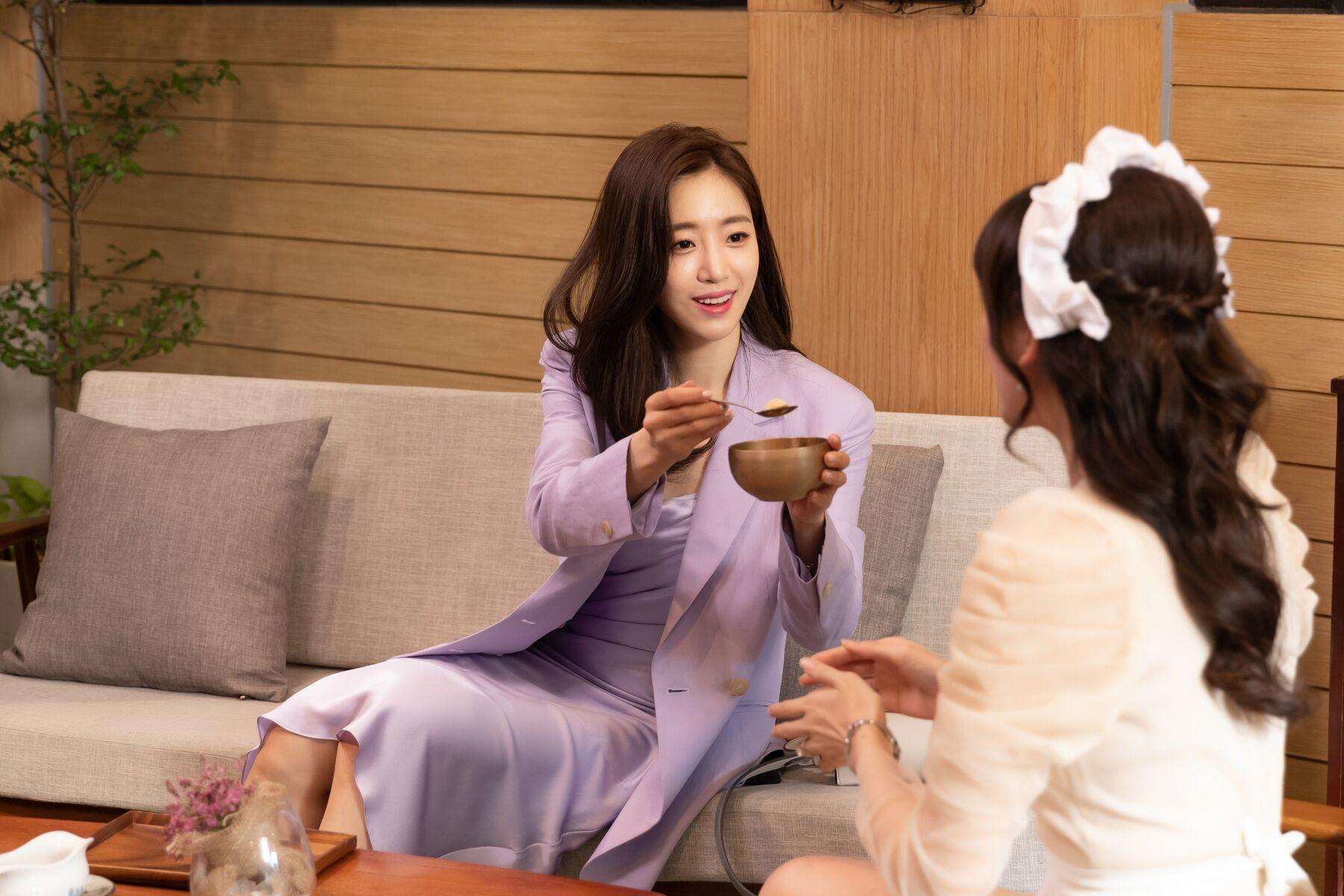 Quán ăn hạnh phúc,Hahm Eun Jung,T-ara,Hari Won