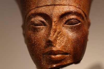 Bí ẩn tác phẩm điêu khắc Pharaoh Tutankhamun được rao bán 6 triệu USD